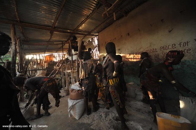 11-turmi-hamer-omo-travel-ethiopia