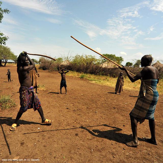 33-mursi-tribe-woman-mago-omo   Viajes fotograficos al