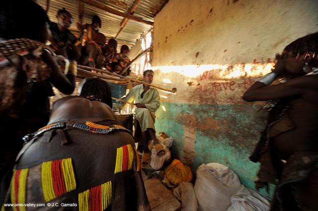 12-turmi-hamer-omo-travel-ethiopia