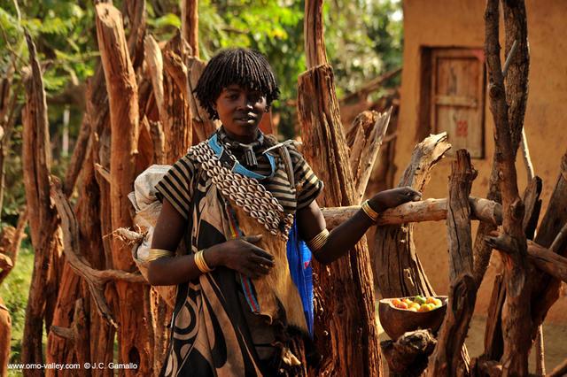Mujer Ari, en Key Afer. Valle Omo